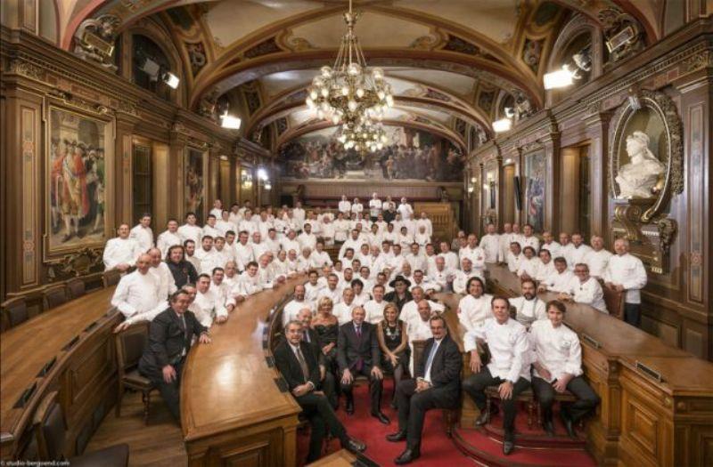 Tipo monarcas da alta gastronomia: imagem oficial do Dîner des Grands Chefs (Foto: Divulgação)