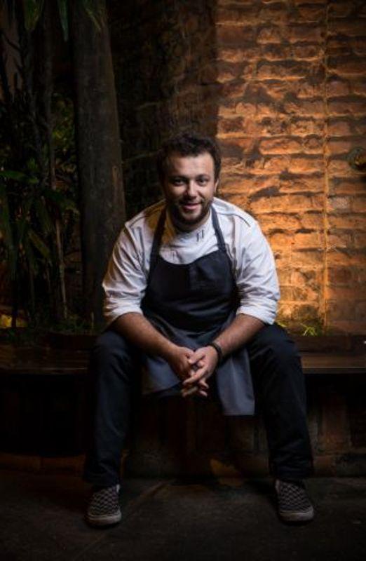 Thomas Troisgros, no seu Olympe: um dos chefs brazucas laureados com a missão de impressionar os estrangeiros no jantar de gala (Foto: Divulgação)