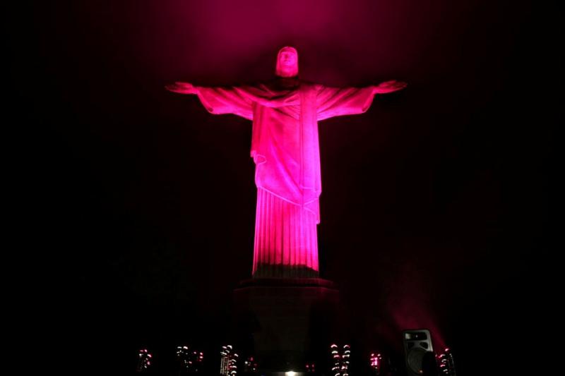 Pink Cristo: cor símbolo da frivolidade é motivo para ação social (Foto: Divulgação)