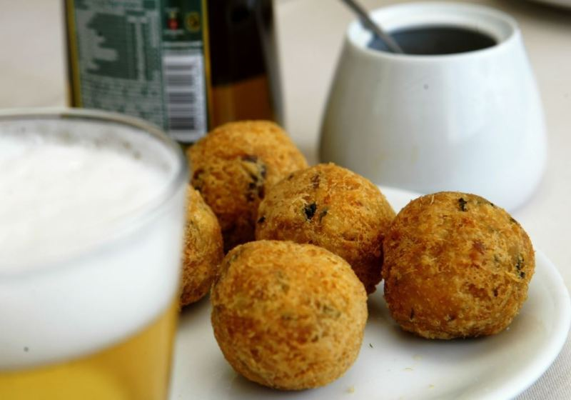 Ceia de natal Bar e Restaurante Urca_bolinhos de bacalhau_crédito Divulgação