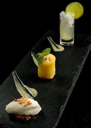 Cota 200 Restaurante_Caipiríssima_ quindim servido com gelatina de caipirinha e raspas de limão_Credito TomasRangel