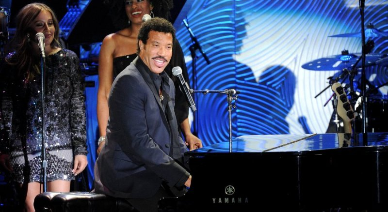 lionel ritchie grammy 2016 final