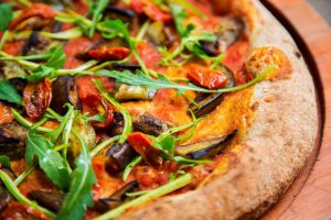 Vegana bacana  Bráz Pizzaria lança pizza vegetariana perfeitinha para  naturebas enfiarem o pé na jaca sem medo e sem culpa 401708f836